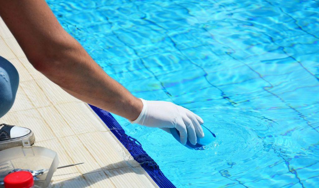 urlada havuz temizleme, havuz temizleme urla, urla havuz bakımı,
